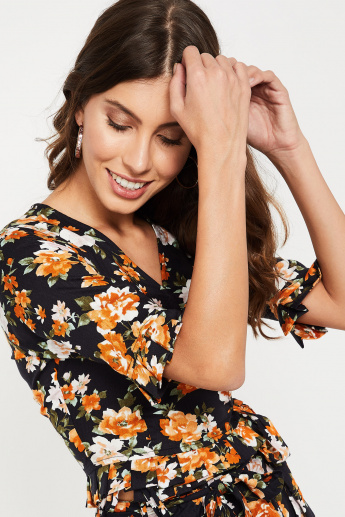 GINGER Floral Print Tie-Up Waist Cropped Top